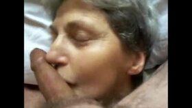 Videos de la sextape de Vieux couple, Mamie 72 ans bien arrosée 2
